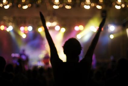concert cheering